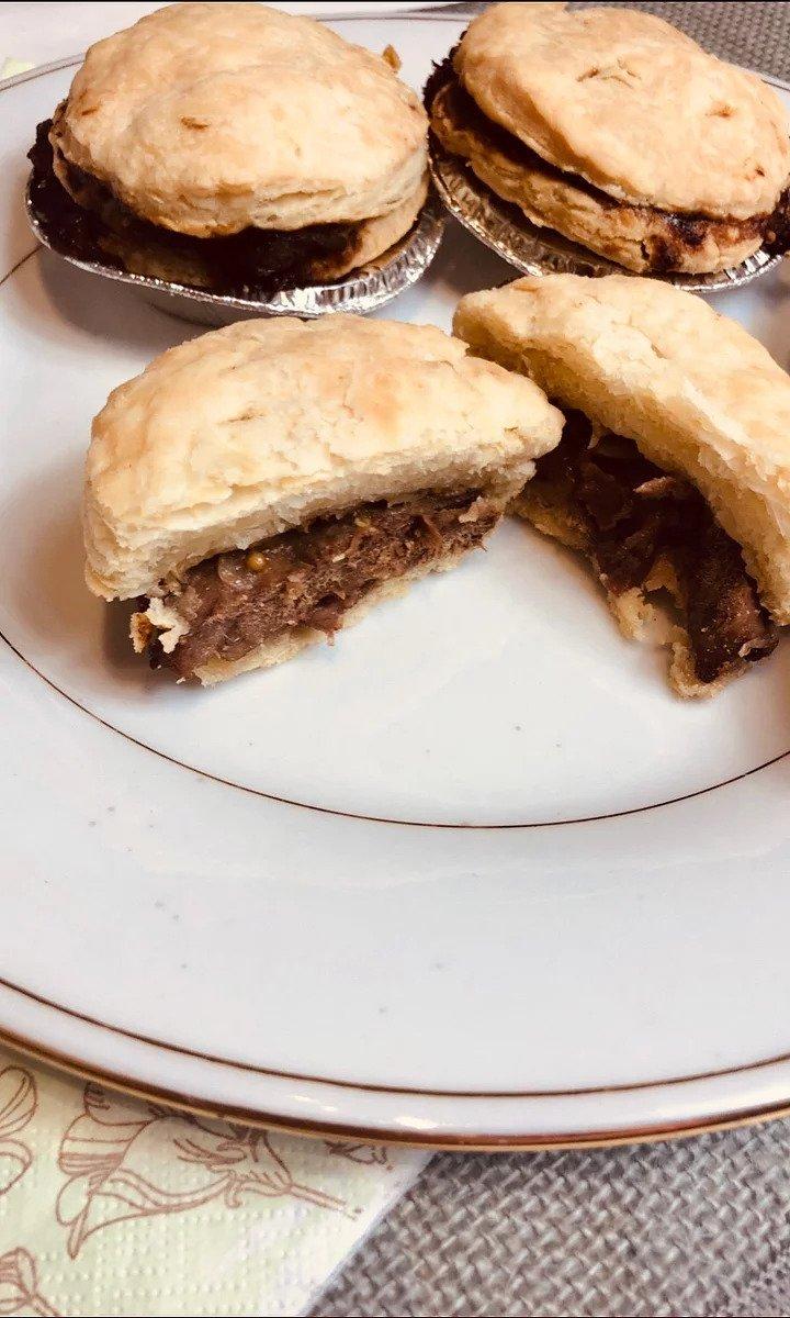 Steak & Gravy Beef Broth Pies